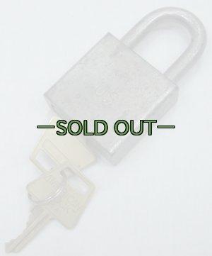 画像1: 軍用パドロック US刻印 AMERICAN LOCK 中古良品
